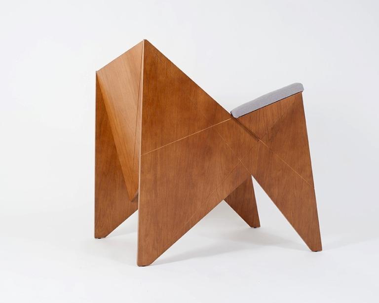 readers_armchair_maciej_markowicz_design.002.jpg